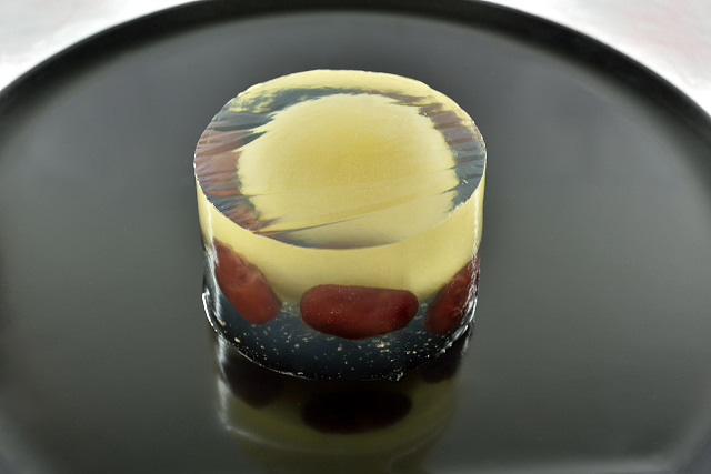 「菓銘が添えられ、初めてお菓子に表情が表れる」京都らしい和菓子の画像