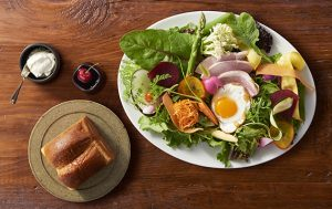 〈最旬フードニュース〉行列ベーカリーに、約100種の島料理が揃うブッフェまで! この週末も気になるメニュー盛り沢山!の画像