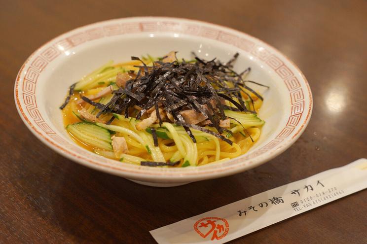 〈食通の昼メシ〉テレビ業界屈指のグルメ溺愛! 京都の老舗「冷やし中華」の画像