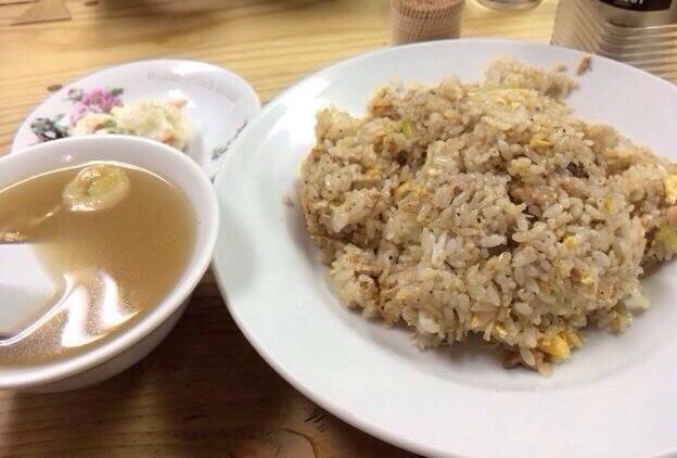 〈食通の昼メシ〉出版界きってのグルメが認める、路地裏の町中華チャーハン