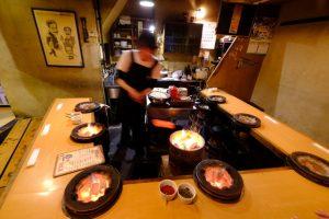 """〈おいしい歴史を訪ねて〉札幌の""""食文化遺産""""、狸小路7丁目のジンギスカンの画像"""