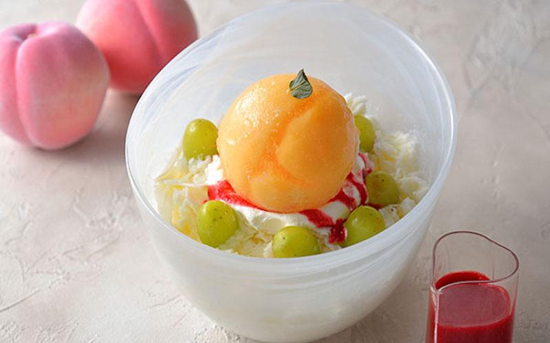 桃を丸ごと1個トッピング! 昨年大ヒットしたリッチなかき氷が今年もカムバックの画像