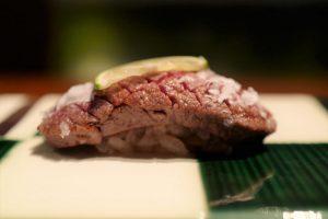飛騨牛タンにシャトーブリアン、和牛ザブトンも! 一日8組限定の牛肉寿司の画像