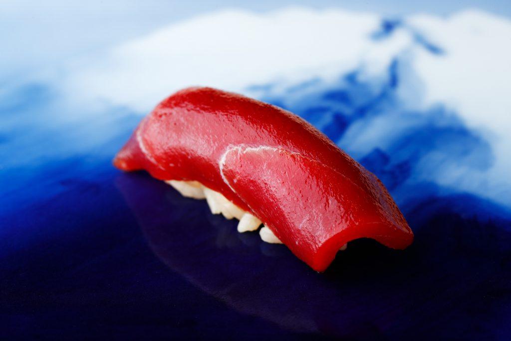 〈噂の新店〉関西No.1の呼び声高い江戸前寿司の名店が、東京・銀座にその姿を現す