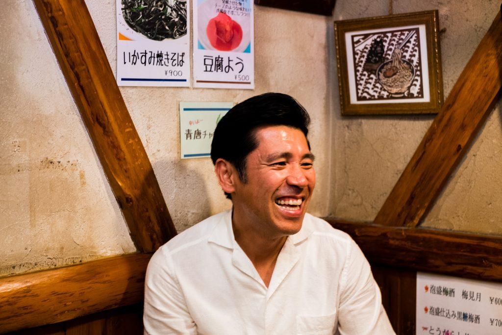 芸人ごはん〉ガレッジセールが教えてくれた、沖縄料理の名店&思い出の ...