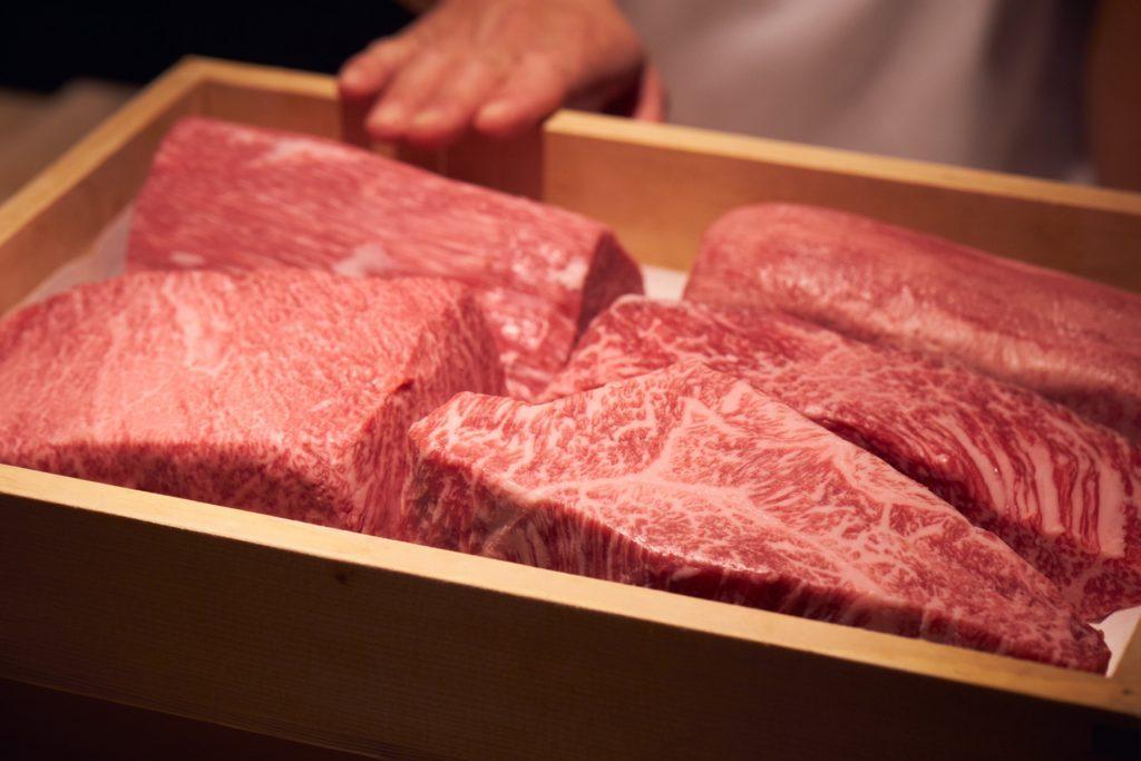 〈小池克臣と行く、和牛百景〉和牛のおいしさを日本料理で伝える西麻布の名店の画像