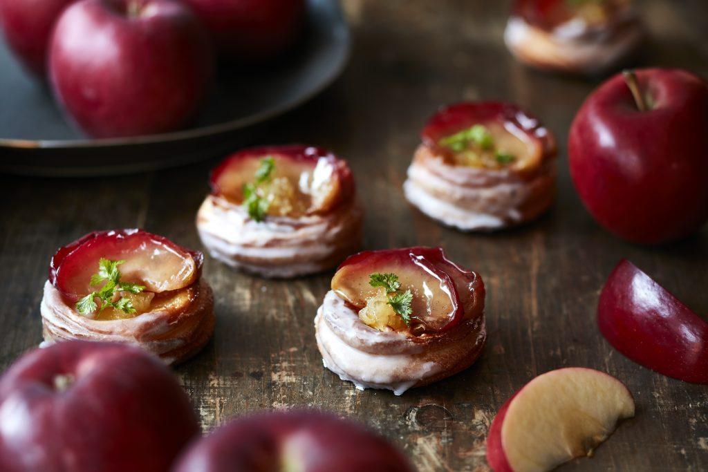 極上の「紅玉」を贅沢に! りんご風味の期間限定パンが続々登場の画像