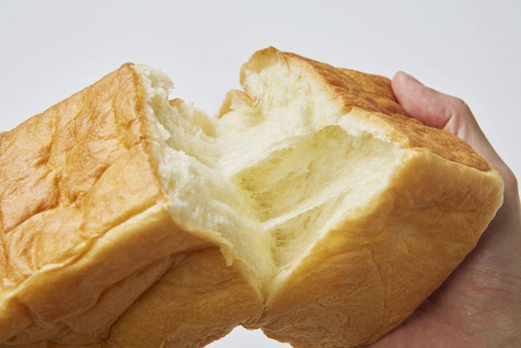 もっちり、しっとり食感がたまらない! パン屋さん自慢の食パン4選の画像