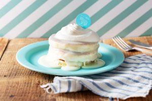 生クリームた〜っぷり! 原宿限定の濃厚パンケーキ2種が誕生の画像