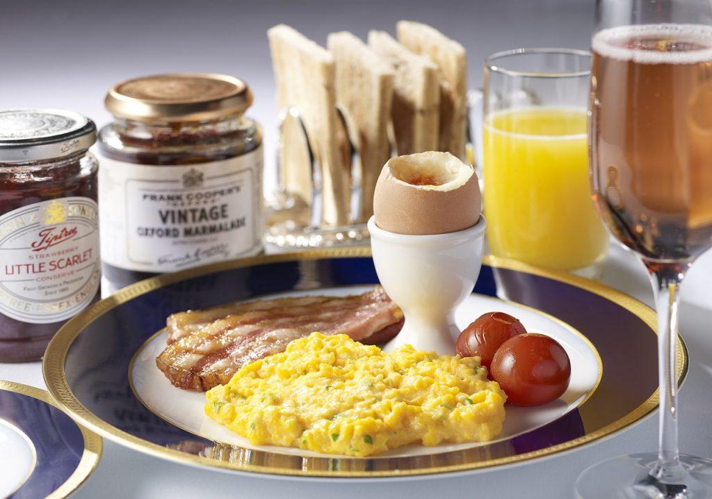 1日5食限定! ジェームズ・ボンドが愛した朝食を忠実に再現