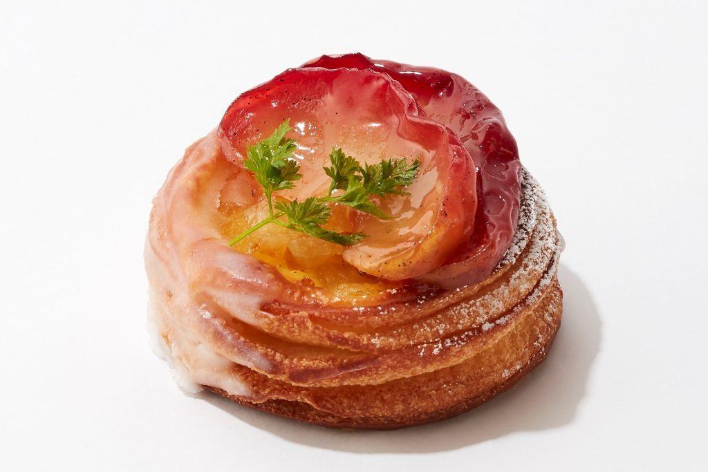〈今週のスイーツ〉とろ〜りフォンダンショコラに、旬のりんごが主役のスイーツも!  新作スイーツが勢揃いの画像