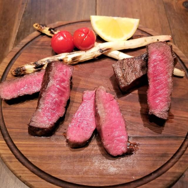 〈2019 食通が惚れた店〉今年一番の肉グルメ! 年間600軒以上食べ歩く編集者が愛する「田村牛」の熾火焼きの画像