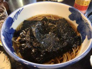 〈食通の昼メシ〉嘉門タツオが愛する江戸を感じる老舗の「花巻そば」の画像