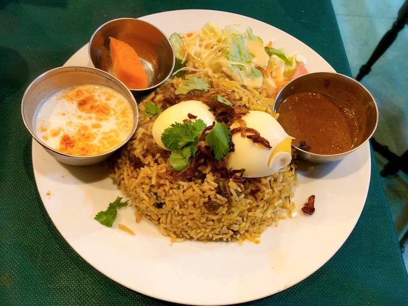 〈今週のカレー〉ブーム到来中の今だからこそ改めて味わいたい。老舗南インド料理店の名カレー