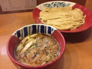 """〈2019 食通が惚れた店〉ラーメン通が選ぶNo.1はモチモチ自家製麺の""""つけ麺""""の画像"""