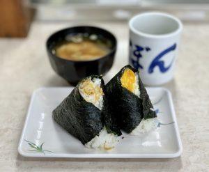 """〈2019 食通が惚れた店〉300円で味わえる、口福の""""卵黄の醤油漬けにぎり""""とはの画像"""