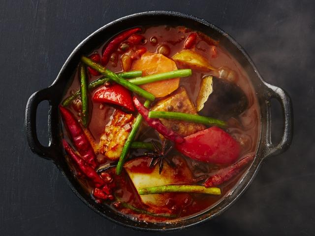 〈最旬フードニュース〉熟成ラム肉のひとり焼肉専門店や、火鍋カレーも! 注目グルメ4選の画像