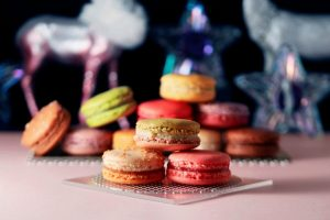 〈今週のスイーツ〉期間限定マカロンや、3種のクリスマスドーナツも! 最新スイーツが勢揃いの画像