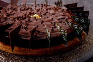 東京限定も! フランスで人気のパティスリーからクリスマスケーキが初登場の画像