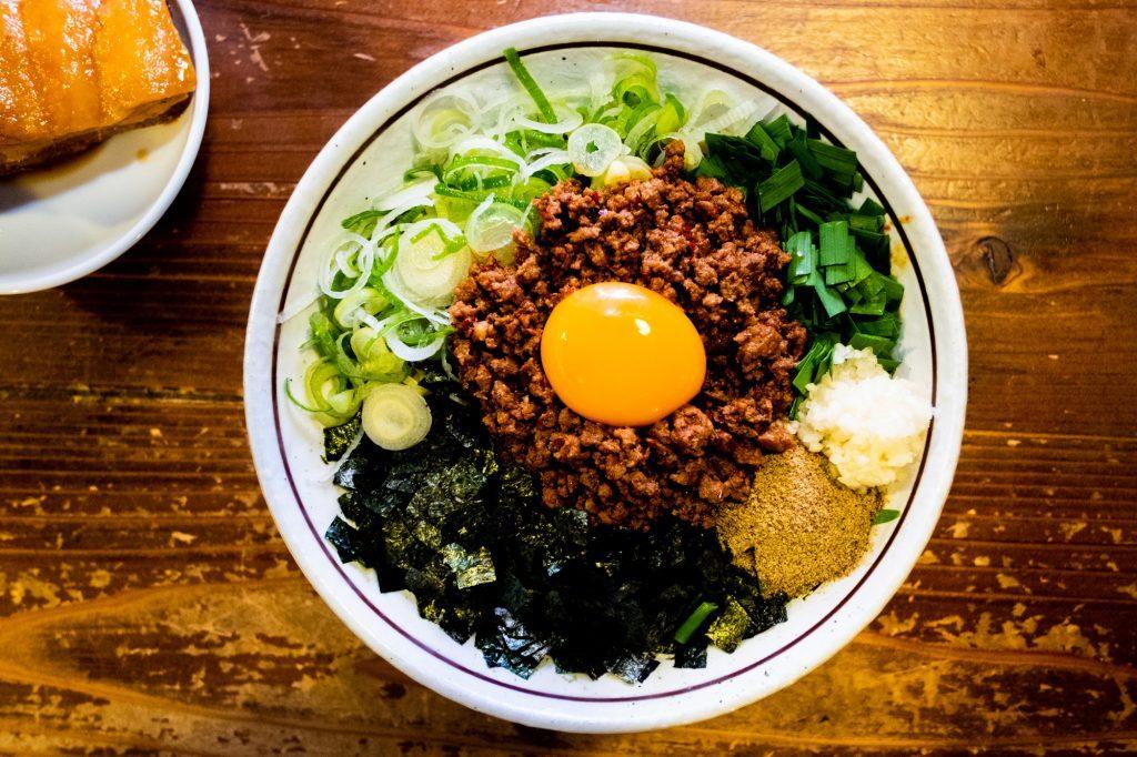 ラーメン王・小林さんが実食検証! 食べログ・台湾まぜそば部門No.1のお店「やまの」がリピート必至のワケの画像