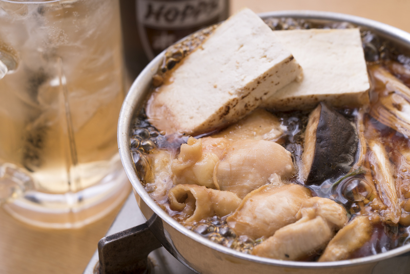 牛すき焼きよりハマるかも! 渋谷の老舗焼き鳥屋の2号店名物「とり鍋」が食べたい