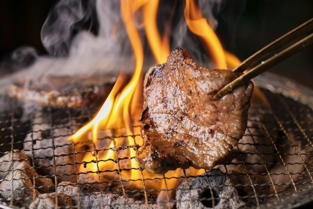 〈サク呑み酒場〉高級店の肉をお手頃価格で! 老舗の味を受け継いだイマドキのホルモン焼店の画像
