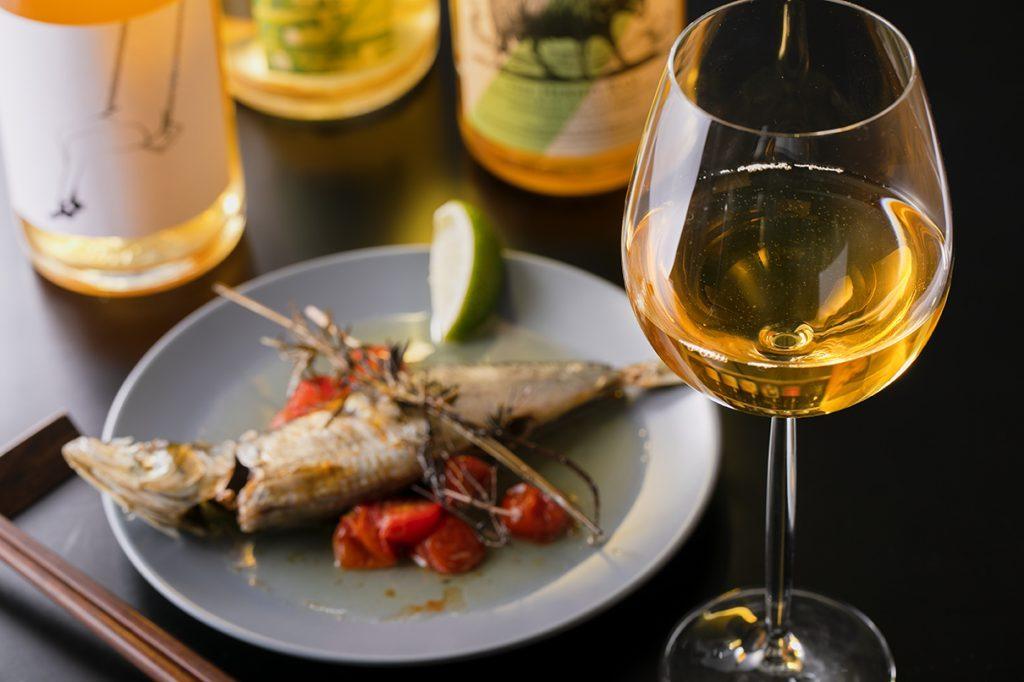 """〈サク呑み酒場〉自然派ワインをリーズナブルに! 毎晩盛り上がる""""角打ちビストロ""""が熱いの画像"""