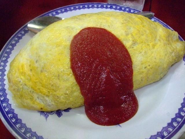 〈食通の昼メシ〉テレビ業界屈指のグルメがハマった「オムレツキムチチャーハン」