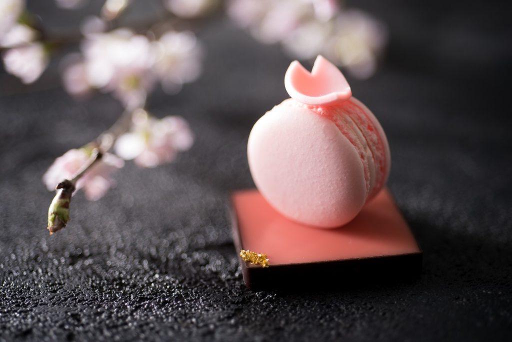 〈今週のスイーツ〉桜×いちごのアフタヌーンティーや、羽田空港