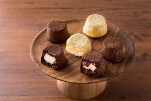 チョコ生地からチーズがとろり! 新感覚「フォンダンチーズ」が限定登場の画像