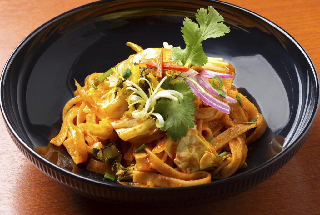 汁なしカレーまぜ麺は要チェック! 人気タイ料理店「クルン・サイアム」の姉妹店が登場の画像