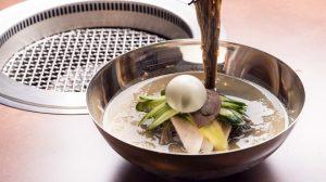 〈おいしいテイクアウト〉ハワイで食べるあの味! モチモチ「冷麺」が絶品(六本木)の画像