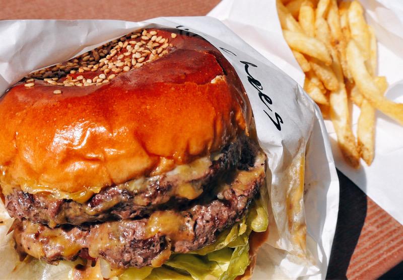 ステーキに煮込みも! 食べログテイクアウトで注文できる肉料理が自慢のお店の画像