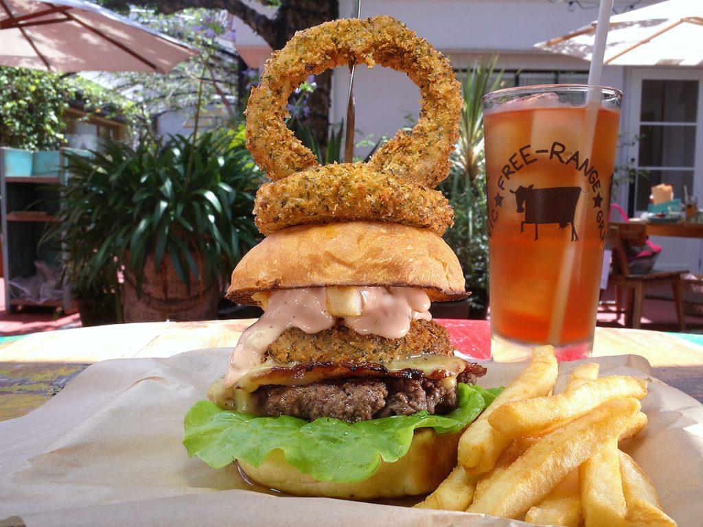 がっつり肉、なのに軽〜い! 雰囲気抜群のテラスで食べたいオーガニックハンバーガー