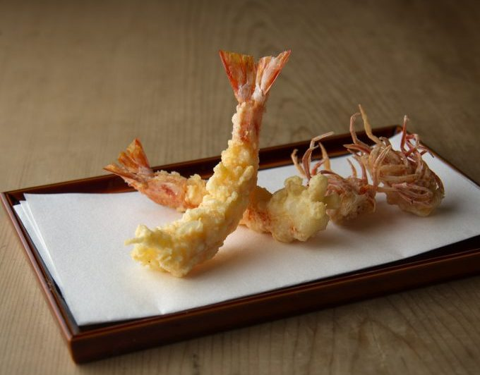 〈今も続く名店〉衣の軽さに技が光る、名人の揚げる「天ぷら」の画像
