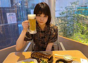 夏はやっぱり餃子とビール! 祇園発の餃子専門店でお酒好きモデルもええ気分の画像