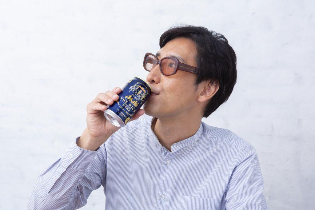 食べログ グルメ著名人・小宮山 雄飛が唸った! 『アサヒ ザ・リッチ』で愉しむ家時間