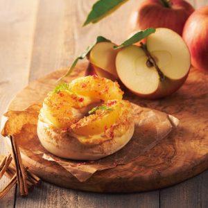 秋限定! 旬のりんごを贅沢に使ったベーグル&ホットドリンクが登場の画像