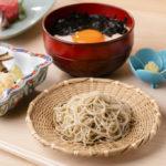 〈噂の新店〉日本料理のコースの締めは、温冷2つの十割手打ち蕎麦の画像