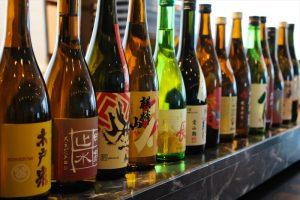 """秋だけの""""ひやおろし""""24銘柄を飲み比べできるフェア「日本酒BAR」開催中の画像"""