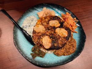 カレー好きなら一食の価値あり。ビリヤニみたいなスパイス料理「ポロウ」が美味!の画像