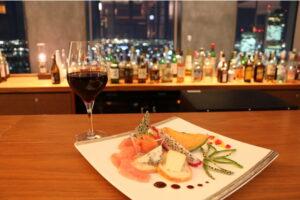 11/19はボージョレー・ヌーヴォー解禁日! 地上140mの名古屋の夜景とともに、ワインを楽しむ限定コースが登場の画像