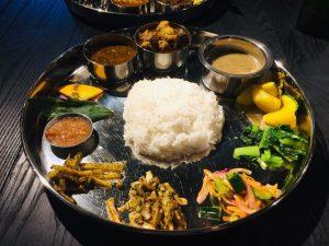 食通に聞いた2020年のナンバーワン! モデルの食欲を刺激するネパール料理店の画像