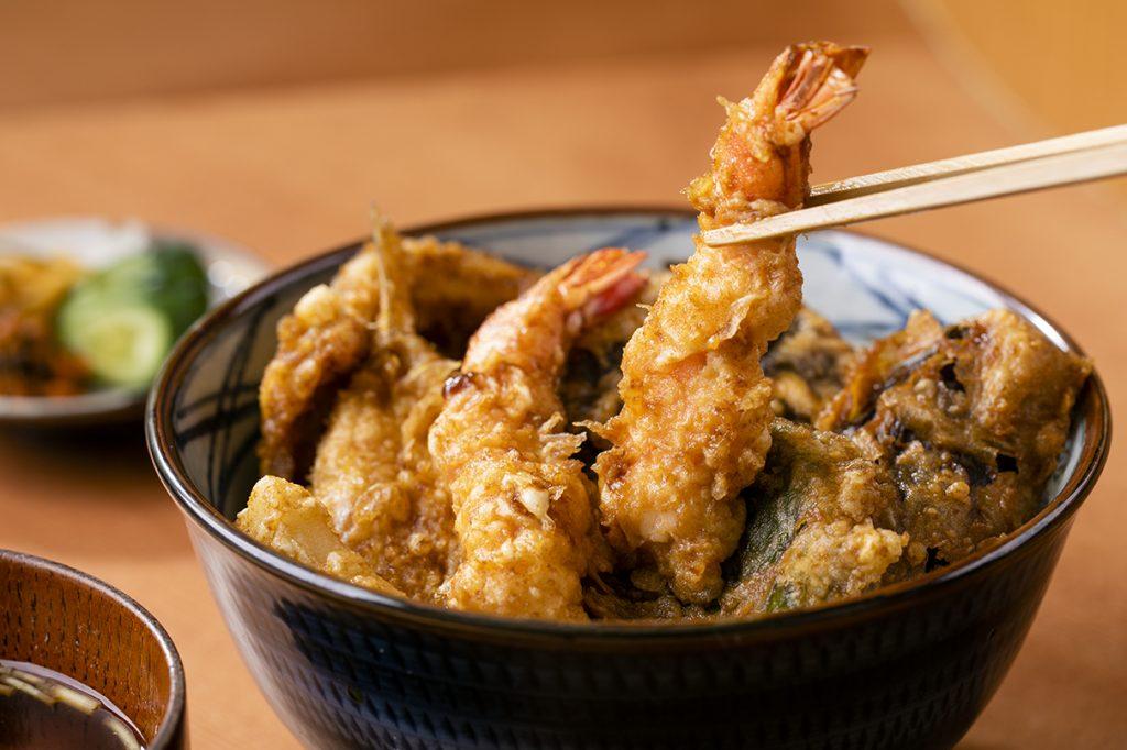 「天ぷら やぐち」2000円のランチ天丼