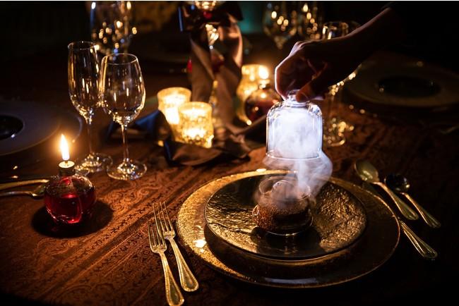 ミステリアスな体験型イベントレストランに、はちみつ使用の高級食パンも! 最新グルメ3選の画像