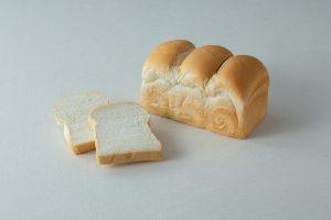 生クリーム食パンに、人気店監修のカレー専門店も! 最新グルメ3選の画像