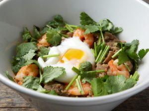 手軽なシーフードランチに、フワフワスープの担々麺も! 最新グルメ3選の画像