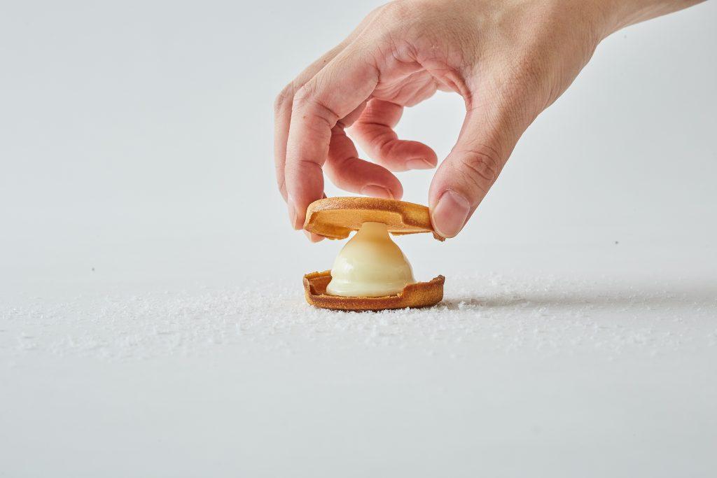 冬だけのご馳走! 北海道のフレッシュ素材を使った生チョコサンドクッキーの画像