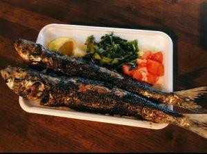 弁当箱からはみ出る鰯がドーン!食通の好奇心をくすぐるポルトガル弁当の画像