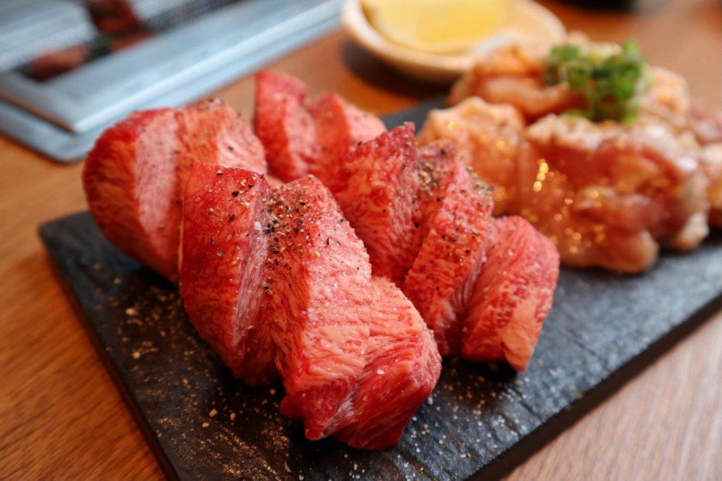 税込5,000円で肉と日本酒食べ飲み放題! 今すぐ予約したいコスパ高過ぎ焼肉の画像